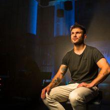 Dainininkas V. Baumila sostinę budins su gausia garsenybių palyda