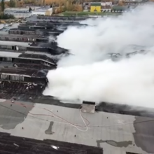 Teisėsauga pradėjo tyrimą dėl milžiniško gamyklos gaisro Alytuje