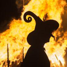Šeši būdai, kaip viduramžiais buvo tikrinamos įtariamos raganos