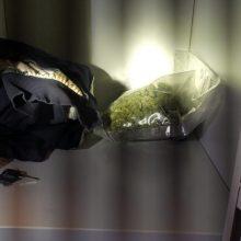 Policija sulaikė šešis asmenis, turėjusius 3,5 kg amfetamino, kanapių ir kitų narkotikų