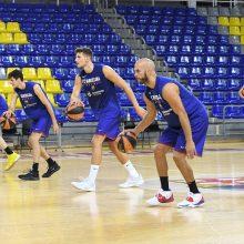 Komandos kaupia jėgas naujam sezonui: krepšinio arenose tylos vis mažiau