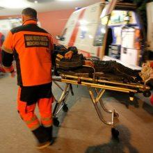 Biržuose girto vyro kelionė baigėsi ligoninėje – jį kelyje partrenkė automobilis