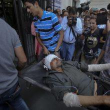 Tragedija Indijos Kašmyre: autobusui nukritus į tarpeklį žuvo 35 žmonės