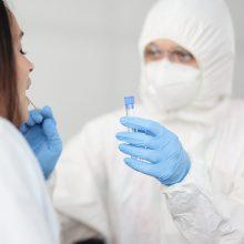 Rusijoje – 18,2 tūkst. naujų COVID-19 atvejų, mirė 564 pacientai