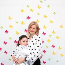 Apie spalvų pasakų terapiją, šeimos komandą ir ypatingą mamos ir dukros ryšį