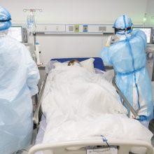 Ligoninėse dėl koronaviruso gydoma šimtas žmonių, vienuolika – reanimacijoje