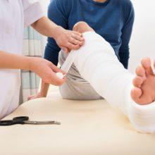 Sostinės ligoninėse savaitgalį padaugėjo dėl traumų besikreipiančių pacientų