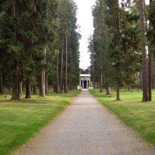 Šiuolaikiškos kapinės – parkuose ir tarp daugiabučių