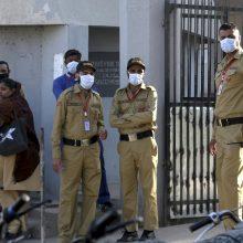 Pakistanas: Karačio uoste nuo nežinomų dujų mirė penki žmonės, dar 70 apsinuodijo