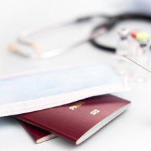 """Europos Komisija pasiūlys """"žaliojo paso"""" pasiskiepijusiems nuo COVID-19 taisykles"""
