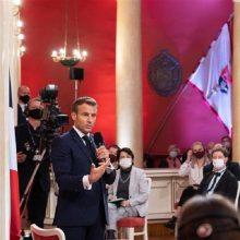 Diskusijoje su VU studentais E. Macronas akcentavo Europos suverenumą