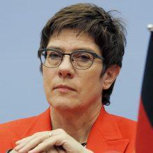 Vokietijos gynybos ministrė Sirijoje siūlo steigti kontroliuojamą saugumo zoną