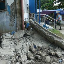 Filipinuose žemės drebėjimo aukų padaugėjo iki trijų, tebeieškoma išgyvenusių