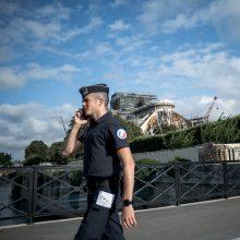 Artėja G-7 viršūnių susitikimas: Prancūzijos kurortus užplūdo aktyvistai ir policija