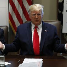 Diplomato liudijimas suteikė didelį postūmį D. Trumpo apkaltos tyrimui