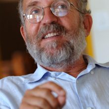 Nobelio fizikos premija atiteko trims Visatos evoliuciją tyrinėjusiems mokslininkams
