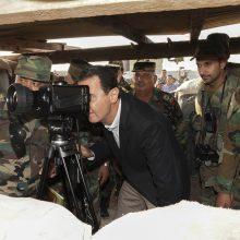 Sirijos prezidentas lanko karius prie fronto linijos Idlibe