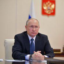 V. Putinas: artimiausios dvi–trys savaitės kovoje su koronavirusu bus lemiamos
