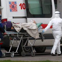 Koronaviruso aukų skaičius Europoje perkopė 130 000