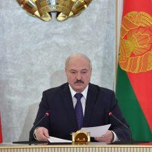A. Lukašenka: Baltarusijoje prie COVID-19 pandemijos dar prisidėjo ir politinė krizė
