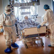 Ligoninėse šiuo metu gydomi 942 COVID-19 pacientai, iš jų 76 – reanimacijoje