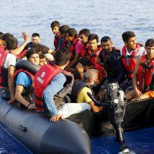 Prie Turkijos krantų susidūrus migrantų valčiai ir keltui žuvo 13 žmonių