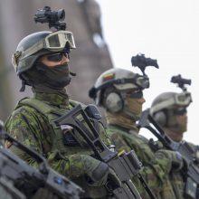Pirmenybė skiepijant nuo COVID-19 bus teikiama kariams ir sportininkams