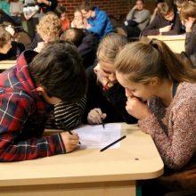 """""""Transparency International"""" siūlo mokykloms į biudžeto planavimą įtraukti mokinius"""
