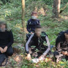 Latviui, į Lietuvą neteisėtai atgabenusiam keturis irakiečius, gresia rimti nemalonumai