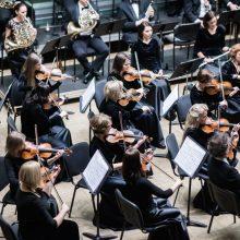 Filharmonijos scenoje – kylančios muzikos žvaigždės