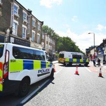 Londone peilio dūriais nužudytas lietuvis