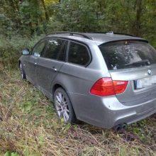 Tragiškas rytas: BMW mirtinai sužalojo kelkraštyje stovėjusį vyrą