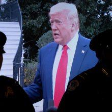 Ekspertai Kongresui: D. Trumpas įvykdė apkaltos vertų nusikaltimų