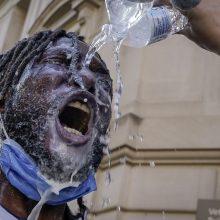 JAV nuo protestų pradžios sulaikyta mažiausiai 5 600 žmonių