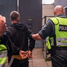 Klaipėdietį užpuolę plėšikai grobiu ilgai nesidžiaugė – netrukus atsidūrė areštinėje