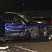 Į avariją Varnių gatvėje pateko taksi automobilis – yra nukentėjusiųjų
