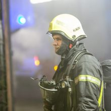 Kaune neblaivus vyras įtariamas padegęs namą