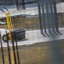 """Darbai """"Merkurijaus"""" teritorijoje: kada kris 10 metų čia stūksanti tvora?"""