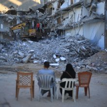 """Pirmą kartą nuo paliaubų įsigaliojimo Izraelis vėl atakavo """"Hamas"""" pozicijas"""