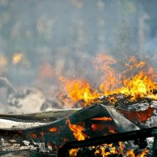 Toliau pleška miškai ir žolė: per parą užgesinti 27 gaisrai