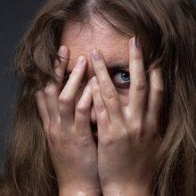 Kaune girtas vyras švaistėsi ginklu: grasino nušauti nepažįstamą moterį