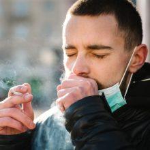 Kauniečiai nenori rūkalių balkonuose, bet kaip reikės vykdyti kontrolę – vis dar neaišku