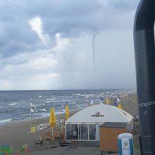Fiksuoja skaitytojai: virš Baltijos jūros praūžė viesulas
