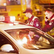 Trakų rajone žuvo automobilio prispaustas vyras