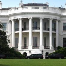 JAV paragino protestų krečiamą Iraką surengti pirmalaikius rinkimus