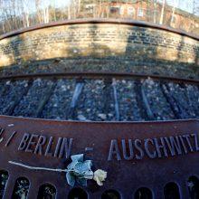 """Vokietija perspėja dėl """"masinio"""" žydų išvykimo, jei neapykanta tęsis"""