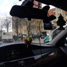 Dėl trijų automobilių avarijos Savanorių prospekte – didžiulė spūstis