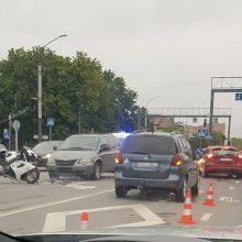Trečiadienis Kaune prasidėjo avarijomis: nukentėjo motociklininkas
