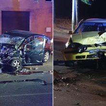 Naktinė avarija Kaune: automobiliai suknežinti, nukentėjo du jauni vyrai