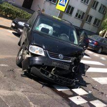 Masinė avarija paralyžiavo eismą J. Naujalio gatvėje